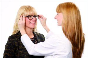 Zum Parterprogramm von Mister Spex zählt u.a. die Brillenanpassung