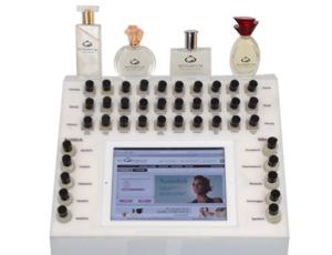 Mithilfe von Duftproben und einem iPad können Duftbar-Nutzer eigene Parfüms kreieren