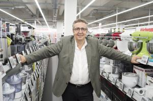 Marktgeschäftsführer Wolfgang Bachesz in der Pilot-Filiale
