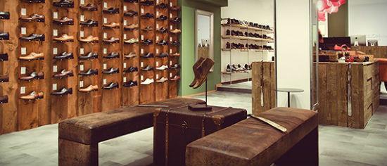 Blick in den neuen Store von Shoepassion.com in München