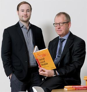 kaufDA-Gründer Christian Gaiser (links) und Prof. Dr. Gerrit Heinemann (rechts)