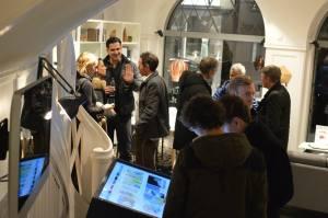 Schon fast wie eine eigene Galerie: Pablo & Paul-Vernissage bei BoConcept