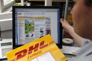 Gemeinsam mit DHL Express startete eBay im Weihnachtsgeschäft 2014 einen Same-Day-Delivery-Piloten