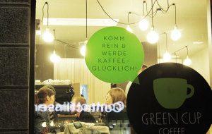 """Stationäres """"Lernfeld"""": Den Green Cup Coffeeshop in München schloss mymuesli im vergangenen Jahr wieder"""