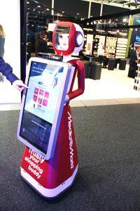 Media Markt Roboter IFA2015