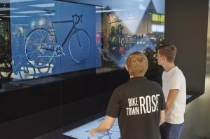 Die 3D-Ansicht an der Video Wall verstärkt bei Kunden den Kaufanreiz