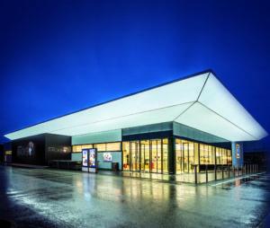 Filiale Hall (Rietz) + LED-Schaukästen