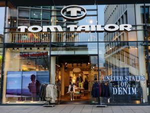 Tom Tailor shutterstock_185310368