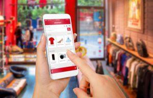 Smartphone als Shopping-Begleiter (Bild: Shutterstock)